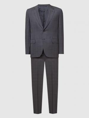 Костюмный серый шелковый костюм Brioni