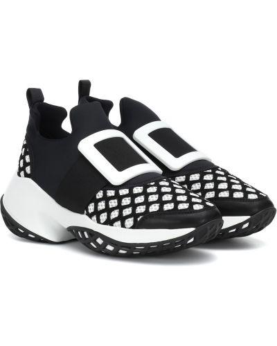 Кожаные кроссовки черные Roger Vivier