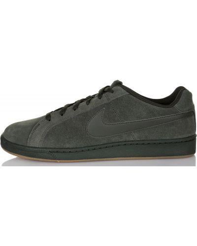 Кеды классические на шнуровке Nike
