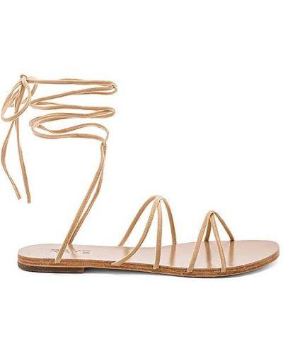 Sandały z klamrą Raye