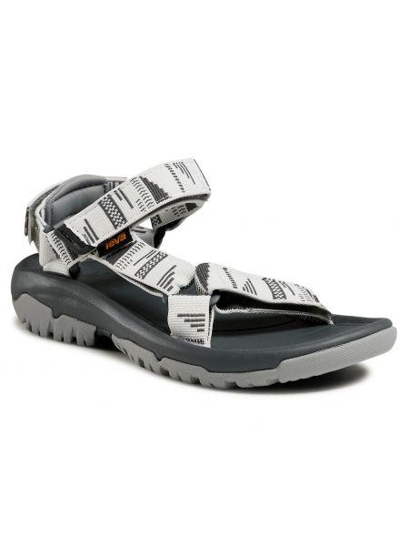 Szare sandały na lato Teva