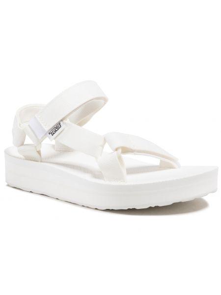 Białe sandały na lato Teva
