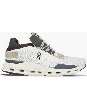Белые кроссовки беговые для бега On Running