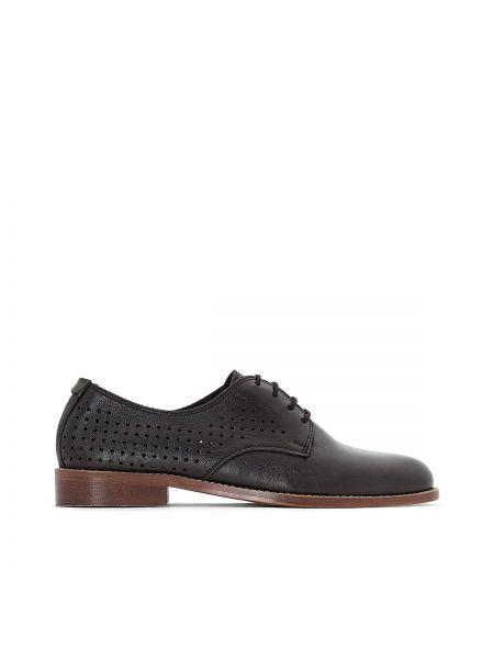Ботинки на шнуровке кожаные на каблуке Kickers