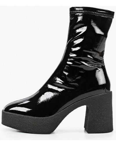 Лаковые кожаные черные ботильоны Marco Bonne