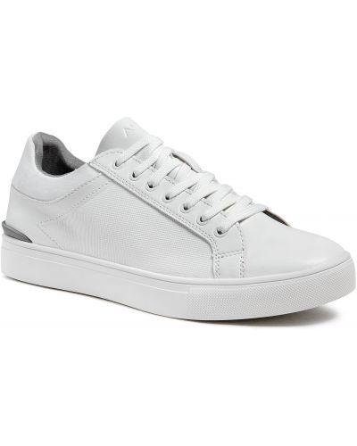 Białe półbuty casual Aldo