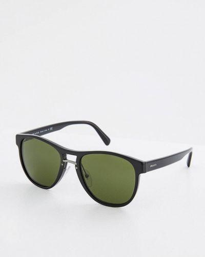 Черные солнцезащитные очки Prada