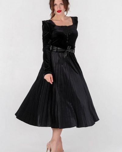 Костюмный черный юбочный костюм O&j