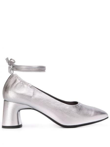 Туфли без каблука на каблуке Dorateymur