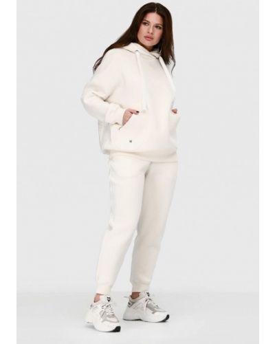 Костюмный белый спортивный костюм O&j