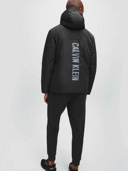 Повседневная черная куртка с капюшоном Calvin Klein