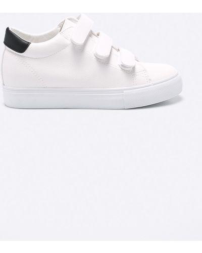 Белые кроссовки Answear