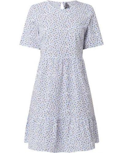 Biała sukienka mini rozkloszowana z falbanami Pieces