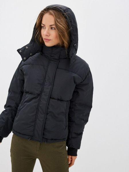 Утепленная куртка демисезонная черная Sela