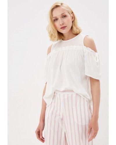 Белая блузка с открытыми плечами Vero Moda