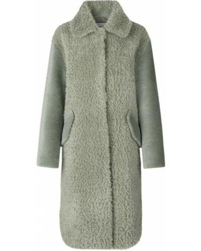 Zielony płaszcz Ravn
