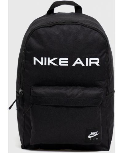 Czarny plecak z printem Nike Sportswear