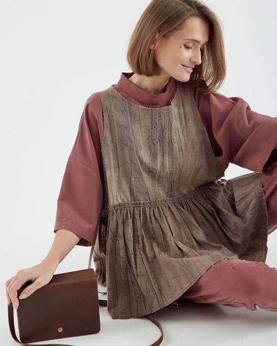 Свободная блузка без рукавов свободного кроя черешня