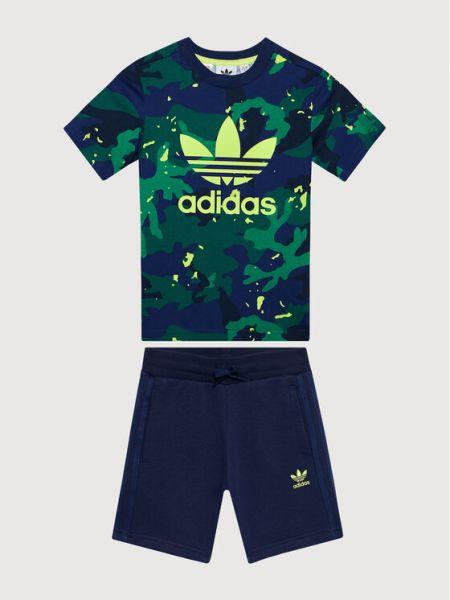 Szorty z printem Adidas