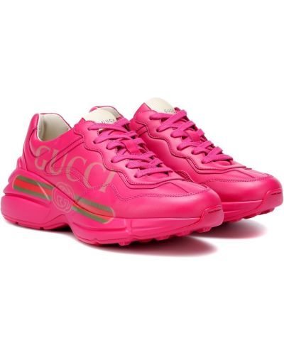 Розовые кроссовки Gucci