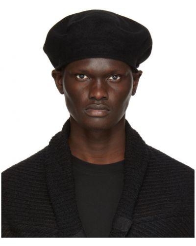 Czarny beret wełniany z haftem Julius