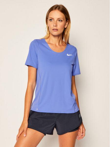 Fioletowy t-shirt miejski Nike