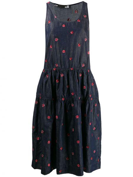 Платье миди джинсовое с вышивкой Love Moschino