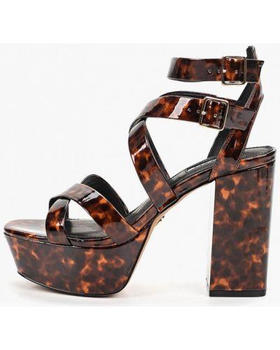 Босоножки на каблуке коричневый Topshop