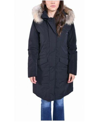 Czarny płaszcz Woolrich