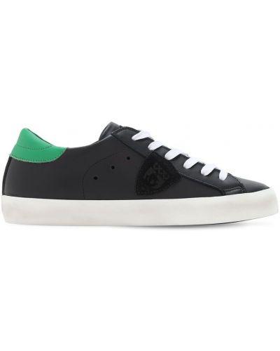 Ażurowy czarny sneakersy z łatami na sznurowadłach Philippe Model