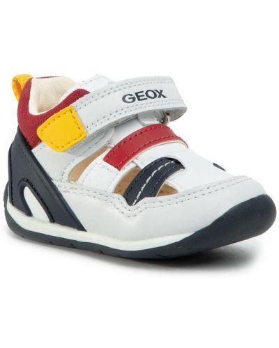 Białe sandały na plażę Geox