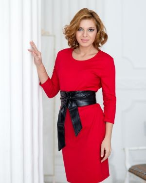 Платье с поясом из вискозы с вырезом Lautus