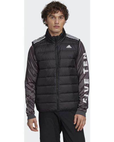 Черная пуховая жилетка Adidas
