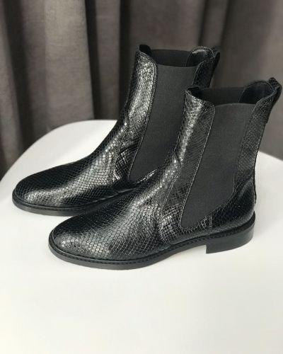 Кожаные ботинки челси - черные Pertini