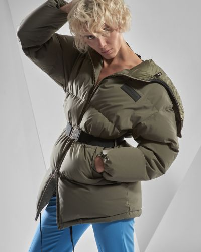 Зеленая куртка Vassa&co