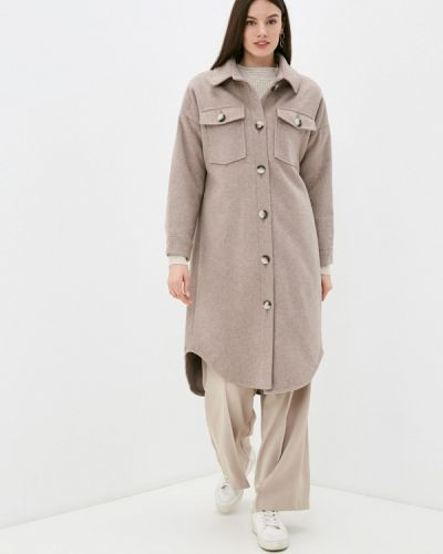 Бежевое пальто Grafinia