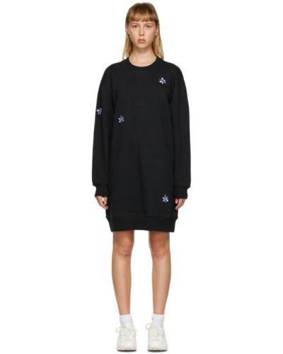 Czarna sukienka mini z długimi rękawami z haftem Perks And Mini