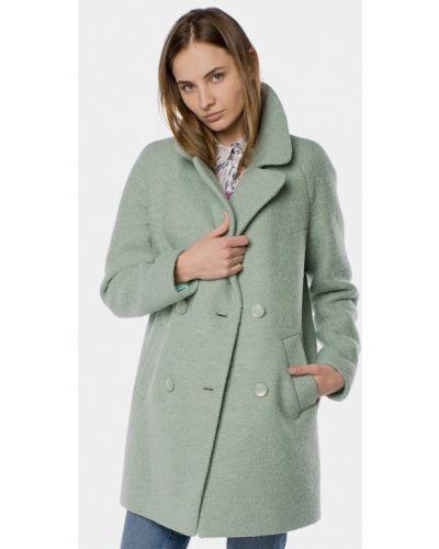 Зеленое пальто Mr520