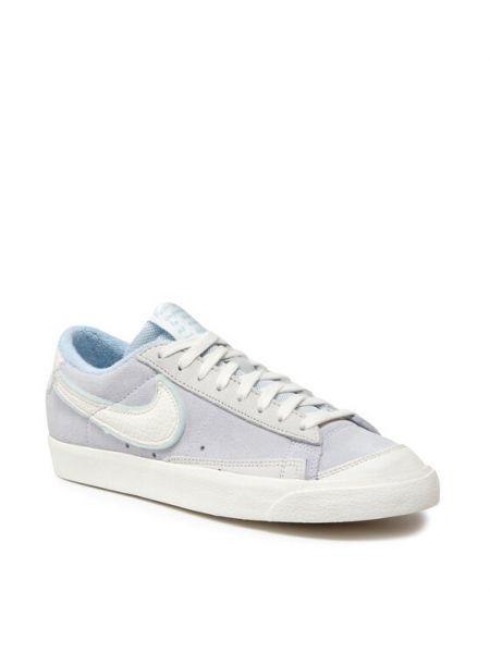 Niebieska marynarka Nike