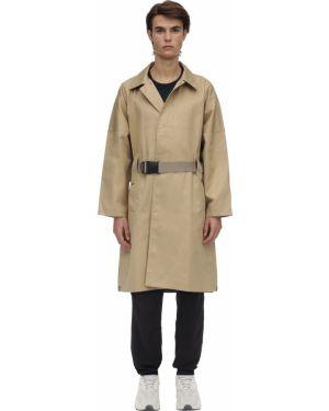 Beżowy płaszcz z paskiem klamry Poliquant