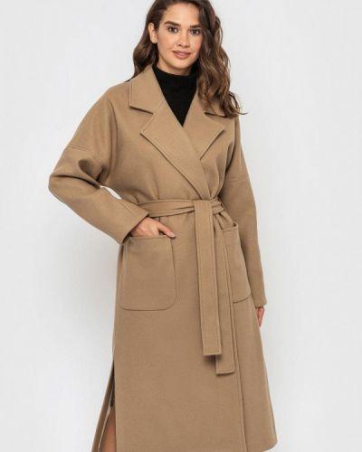 Бежевое пальто Sfn