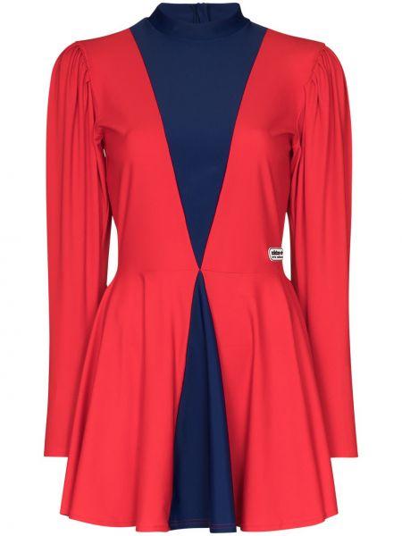 Красное платье со складками с вырезом с нашивками Adidas