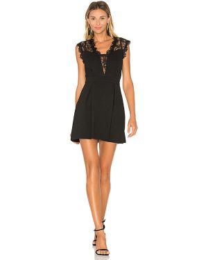 Czarna sukienka koronkowa sznurowana Bcbgeneration