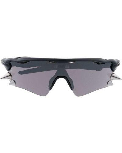 Солнцезащитные очки оверсайз - черные Vetements