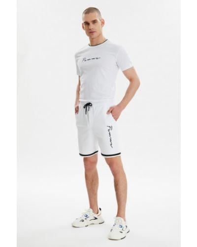 Biały dres bawełniany Trendyol