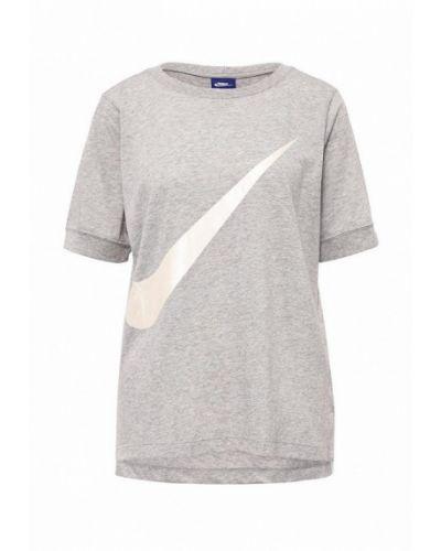 Серая футболка с надписями Nike