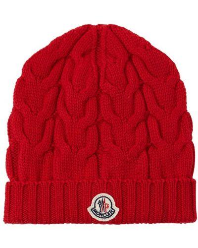 Красная шапка Moncler