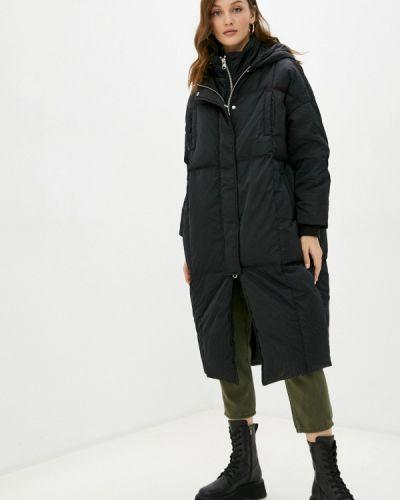 Куртка - черная United Colors Of Benetton