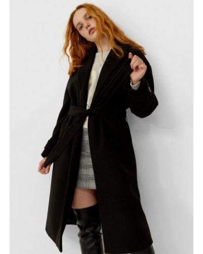 Черное пальто Stradivarius