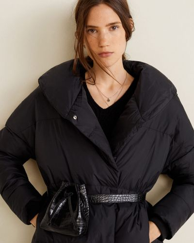 Стеганая куртка утепленная с капюшоном Mango